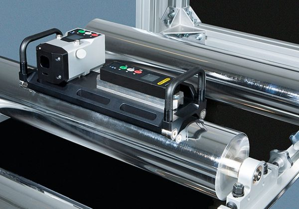 Roll Alignment Tool E975 in action